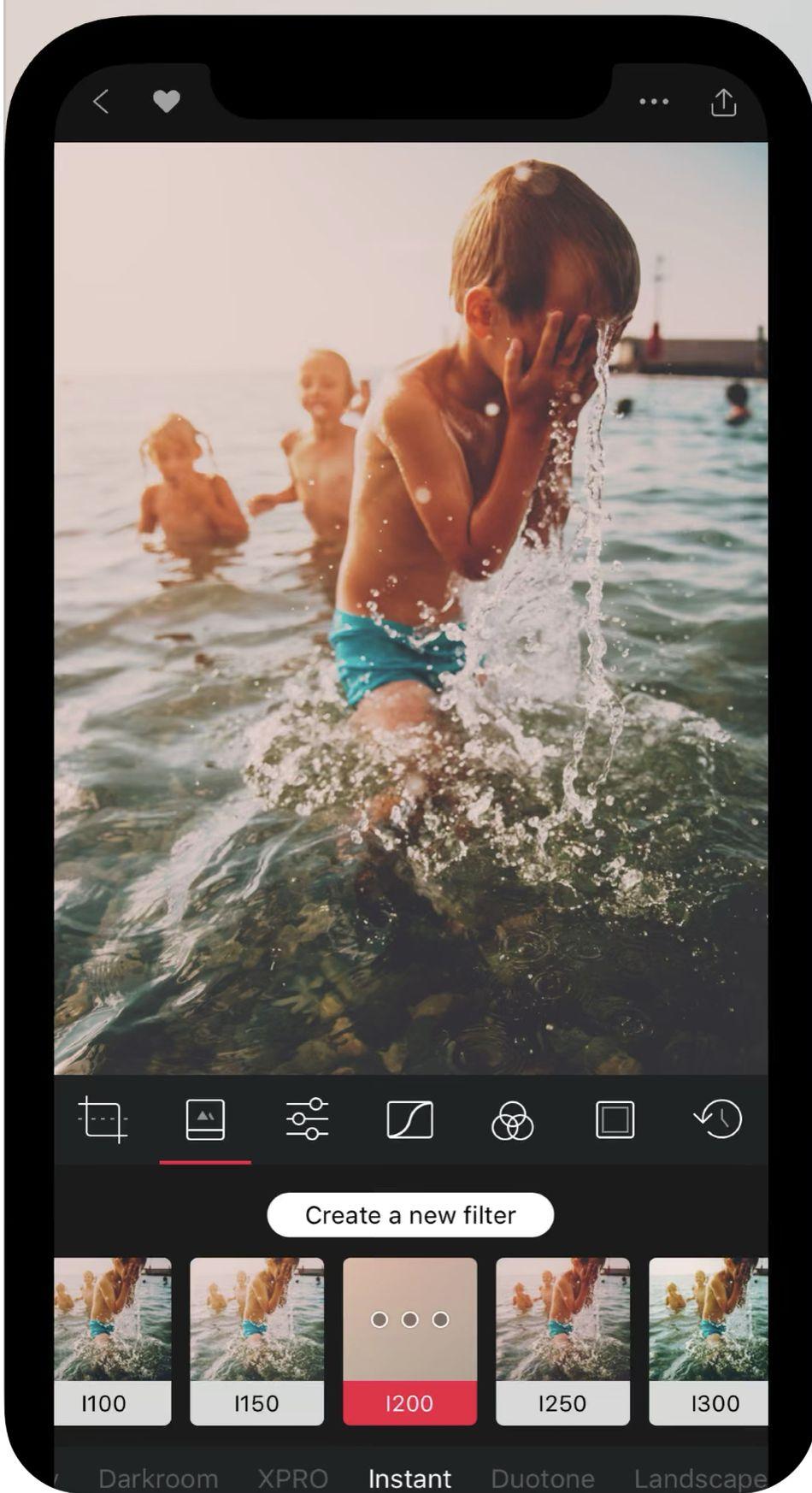 Personaliza tus propios filtros de fotos si te sientes realmente creativo.