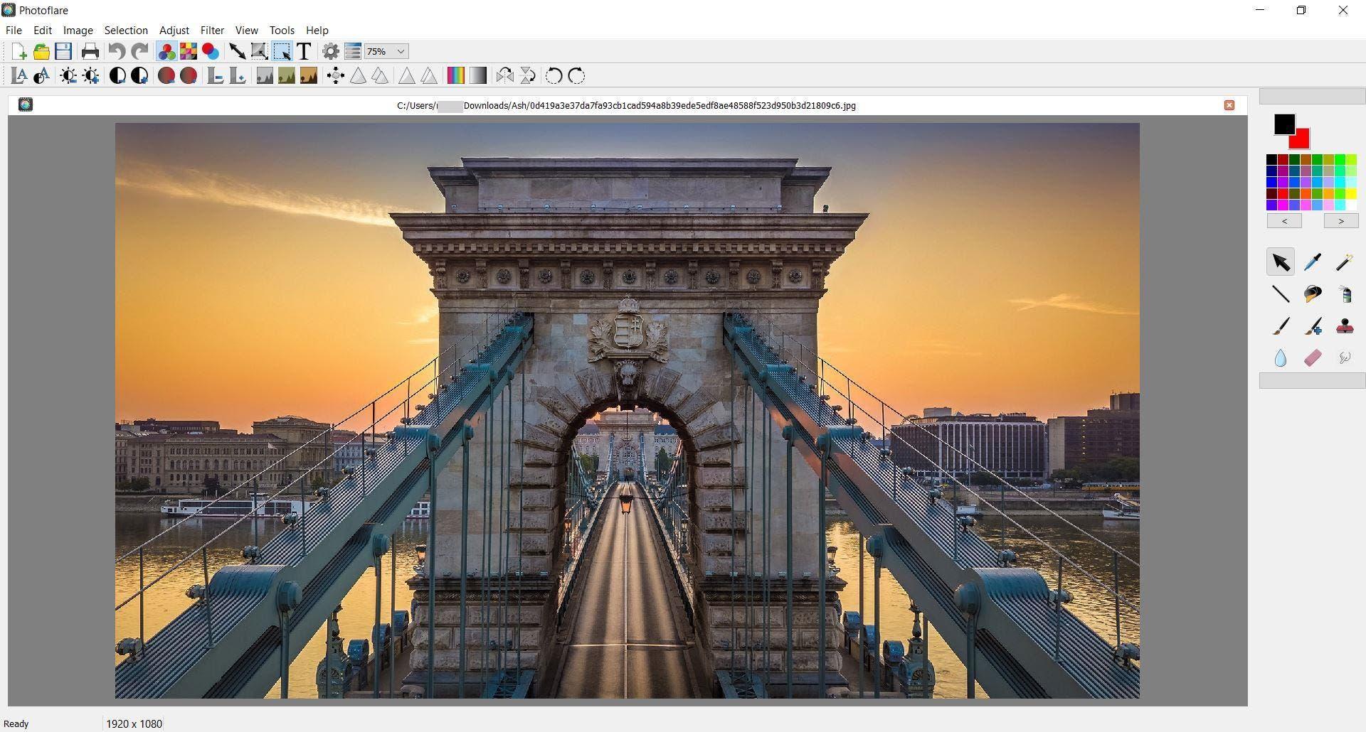 Photoflare es un editor de imágenes de código abierto y multiplataforma con efectos de filtro opcionales