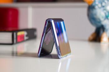 Galaxy Z Flip 3 inclinado para ofrecer una pantalla de 120Hz, biseles más delgados a un precio mucho más bajo