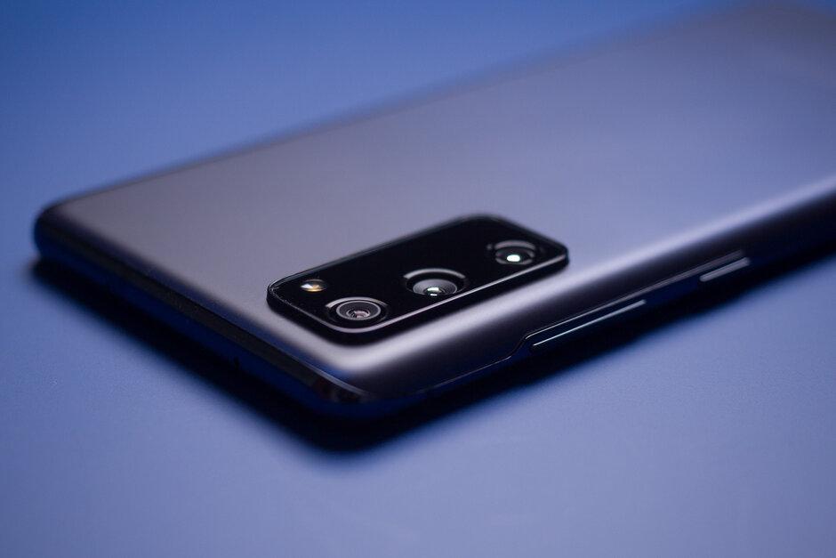 Samsung Galaxy S20 FE: las mejores ofertas de Black Friday / Cyber Monday de T-Mobile, reembolsos de planes y líneas gratuitas regresan