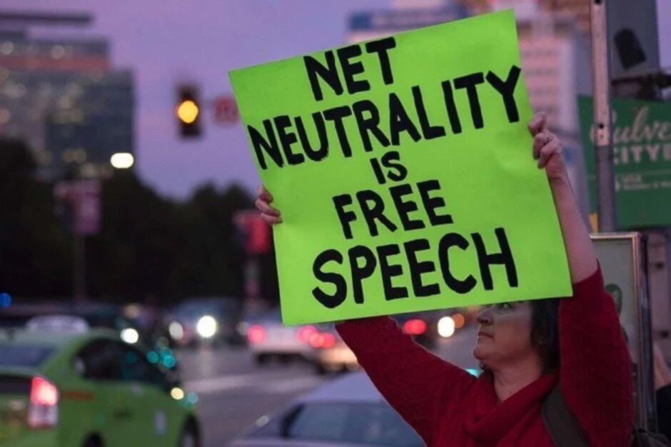 La neutralidad de la red podría regresar con la salida del presidente de la FCC, Ajit Pai; el presidente de la FCC, Ajit Pai, se retira; ¡La neutralidad de la red podría regresar!