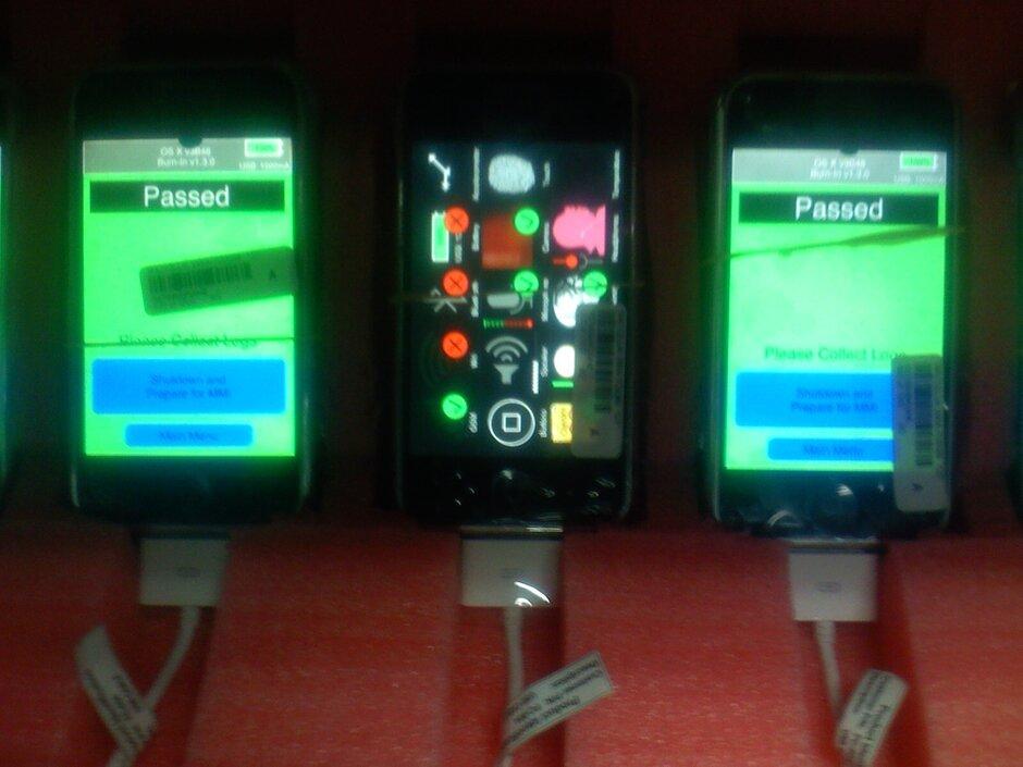 El iPhone OG está siendo ensamblado por Foxconn en 2007 - Fotografías históricas muestran que el iPhone OG de Apple se ensambló en 2007