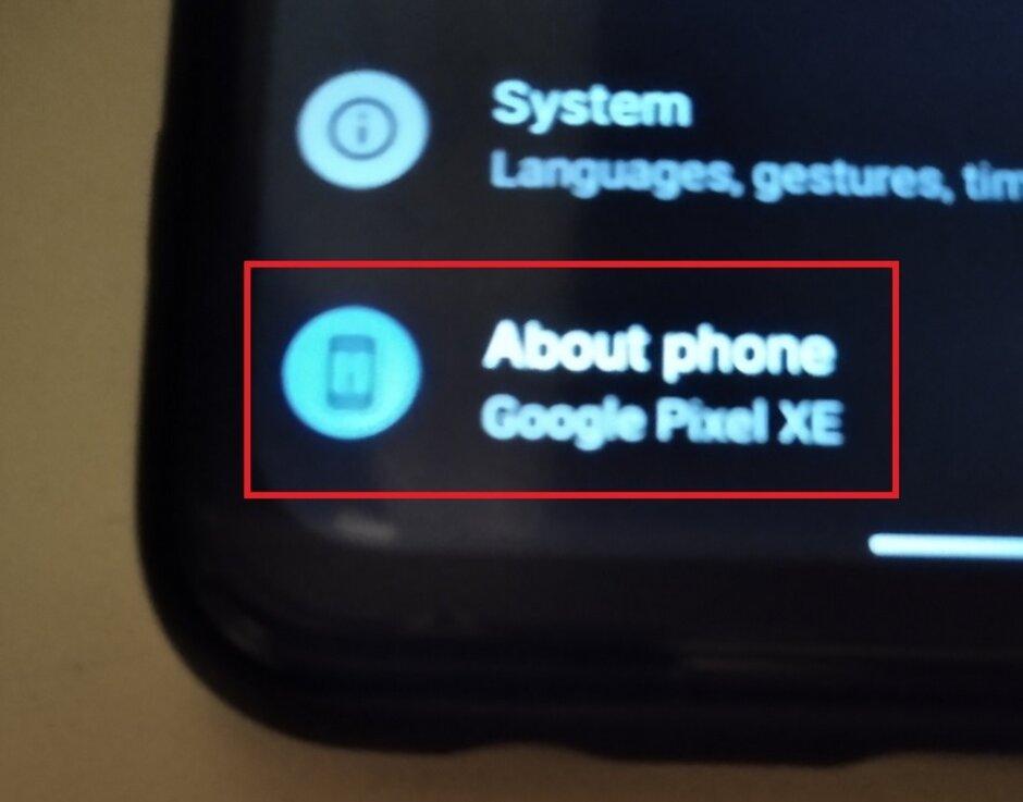 La foto en vivo revela la posibilidad de un teléfono Google Pixel XE: superficies de Pixel XE en imágenes en vivo; ¿Es este el buque insignia de 5G que los súper fanáticos de Android quieren?