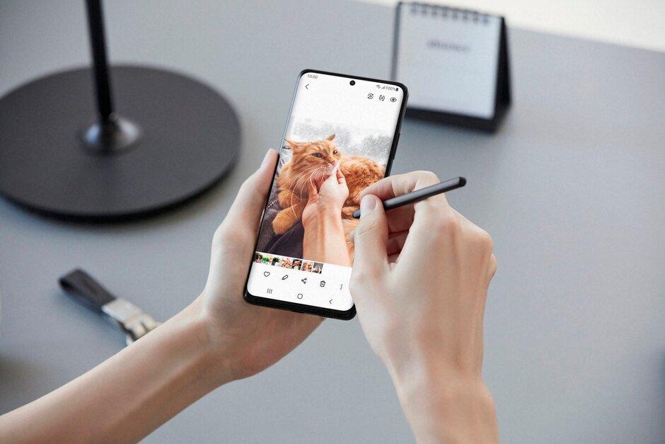 El S Pen estándar: Samsung anuncia el S Pen Pro para el S21 Ultra, abre el ecosistema del S Pen