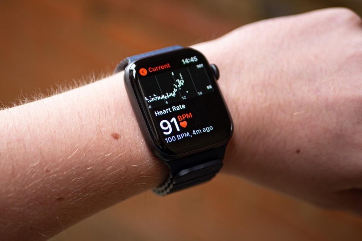 Apple Watch Series 6: el Samsung Galaxy Watch 4 y el Apple Watch Series 7 podrían traer un gran avance este año