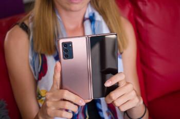 Las unidades Samsung Galaxy Z Fold 2 de la marca Carrier en los EE. UU. Reciben la actualización de Android 11