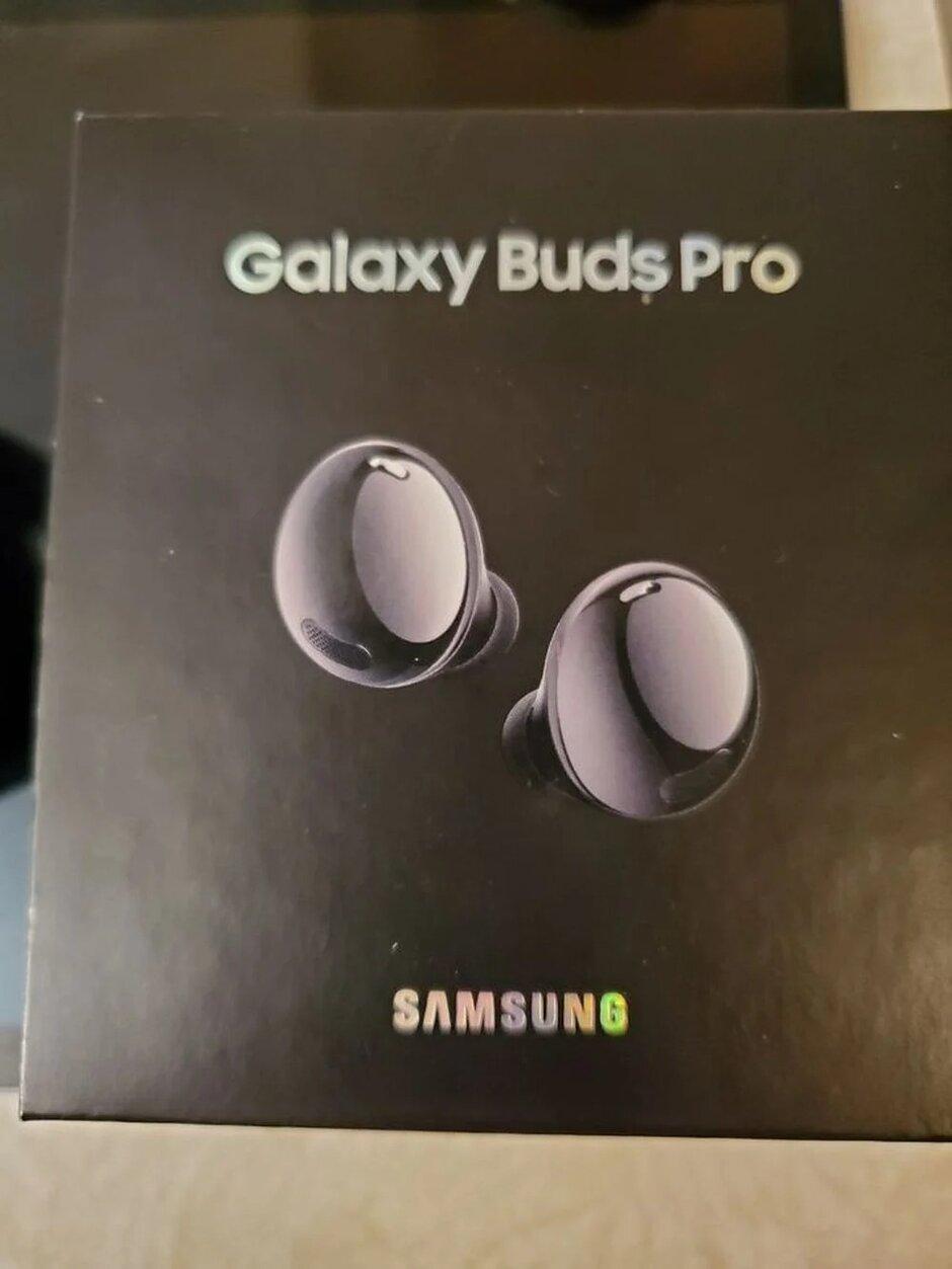 Galaxy-Buds-Pro-manos-en-fuga2.jpg