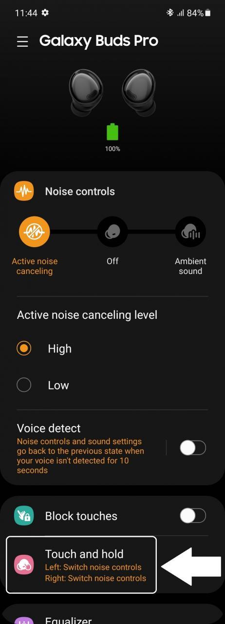 Una vez que esté en la aplicación Galaxy Wearable, todo lo que necesita son dos toques, que mostramos aquí - Cómo controlar el volumen en Galaxy Buds Pro con gestos táctiles