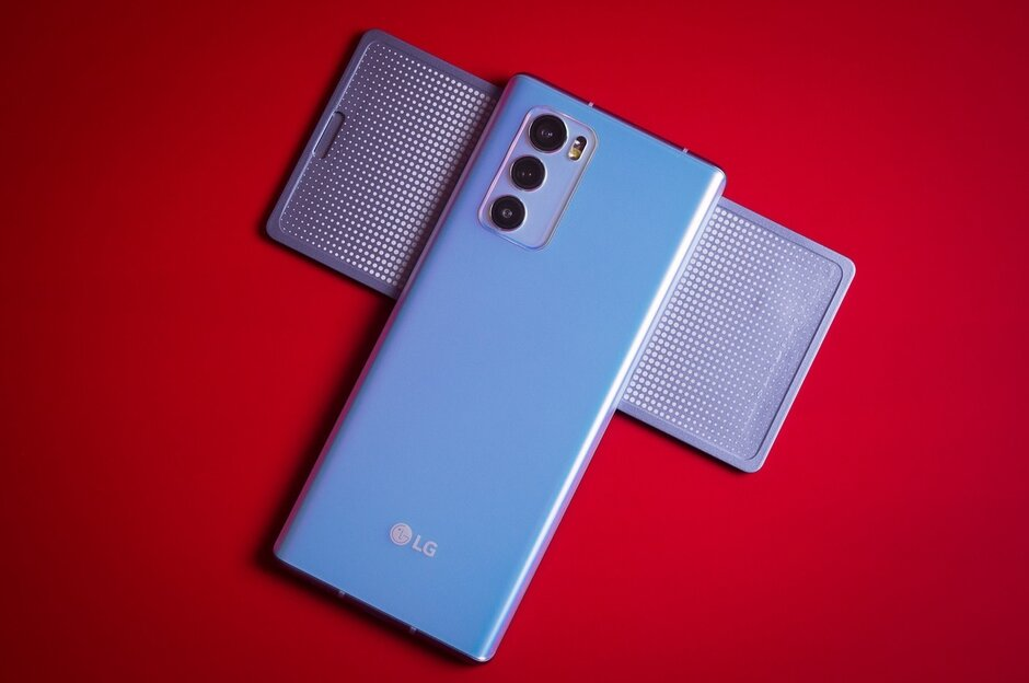 Una actualización del LG Wing mejora el software utilizado en el dispositivo. La actualización del LG Wing mejora enormemente el dispositivo