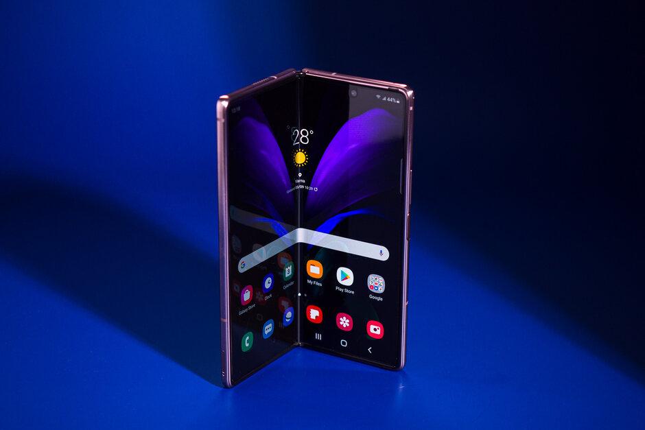 El Galaxy Z Fold 2: pistas internas sobre la probable línea de tiempo de lanzamiento del Samsung Galaxy Z Fold 3 y Flip 3