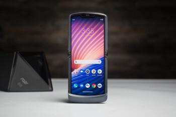 El muy atractivo pero profundamente defectuoso Motorola Razr 5G es asequible por fin