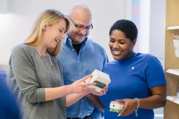 Los empleados de la tienda Apple pueden reparar tu dispositivo gratis, ¡si eres amable con ellos!