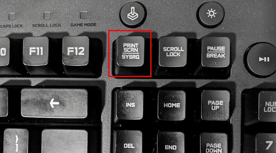 Un teclado muestra la tecla Imprimir pantalla