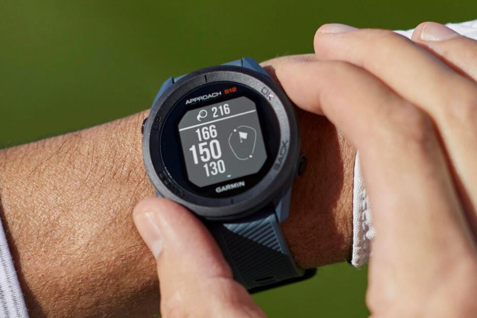 Garmin Approach S12: Garmin lanza nuevos dispositivos portátiles Approach para golfistas