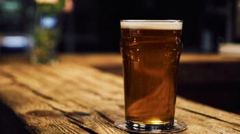Google Photos ahora le mostrará su momento de cerveza favorito en las versiones de Android / iOS de la aplicación