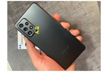 Samsung Galaxy A52 posa para la cámara antes de la presentación oficial