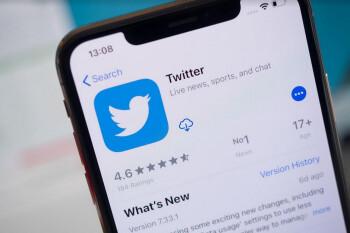 El primer tweet está siendo subastado;  la oferta máxima actual es de $ 2.5 millones