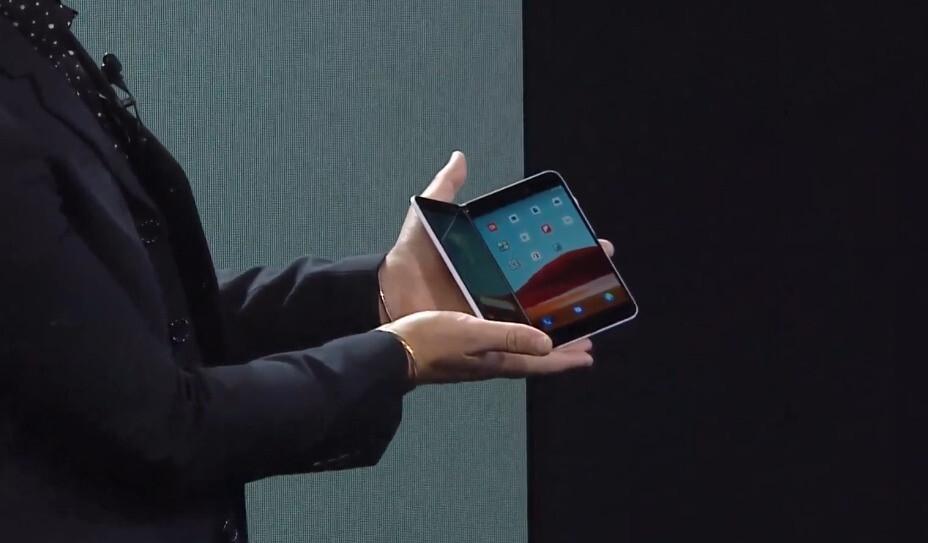 Una secuela del Surface Duo que se muestra en la imagen aparentemente admitirá 5G: Microsoft insinúa que Surface Duo 2 es compatible con 5G