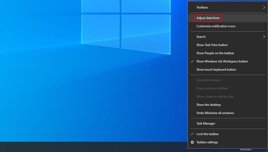 Windows 10 muestra cómo ajustar la configuración de fecha y hora desde la bandeja del sistema