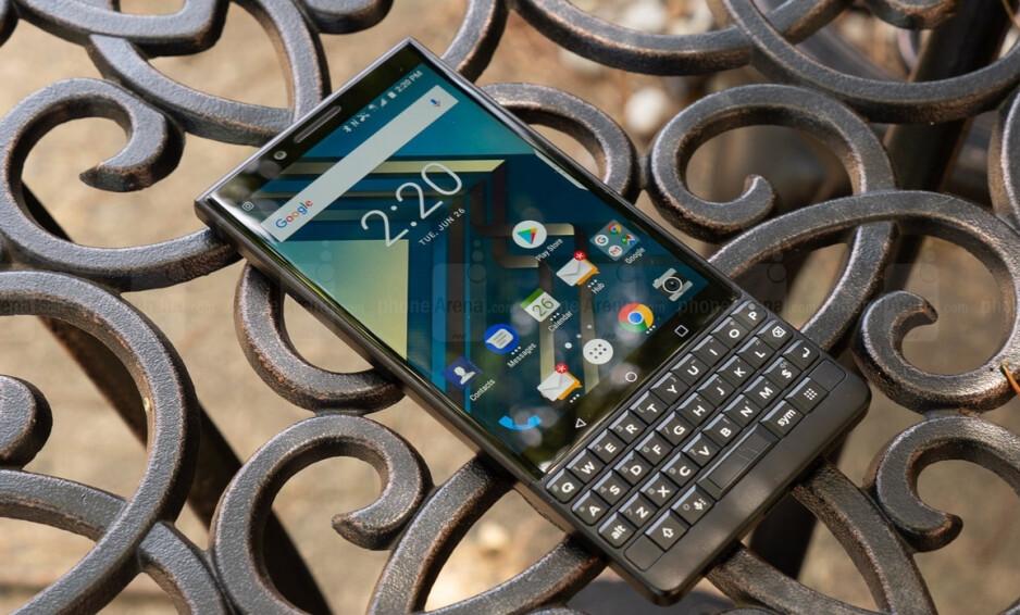 El BlackBerry Key2, que fue fabricado por el ex licenciatario TCL - Se rumorea que la matriz de cámara insignia para el primer teléfono BlackBerry 5G