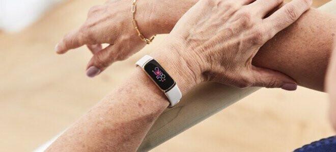 El Fitbit Luxe en uso real: imágenes de la fuga del monitor de fitness Fitbit Luxe