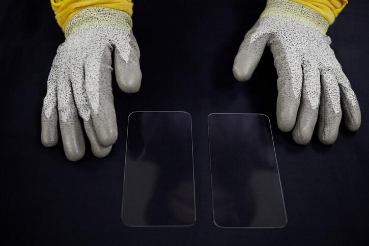Apple anuncia otra gran inversión multimillonaria en Ceramic Shield de Corning