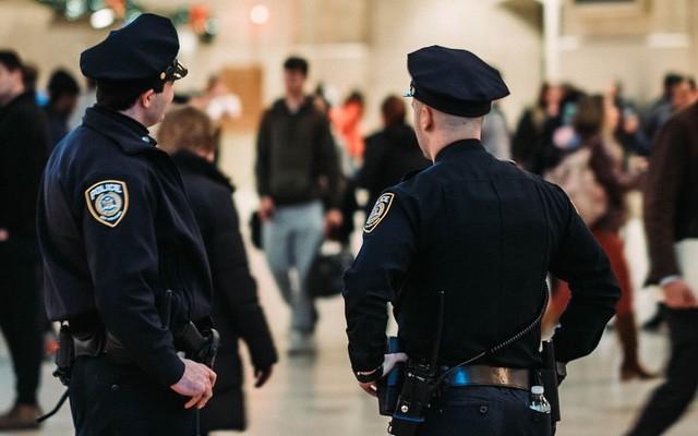 Denuncia a la policia